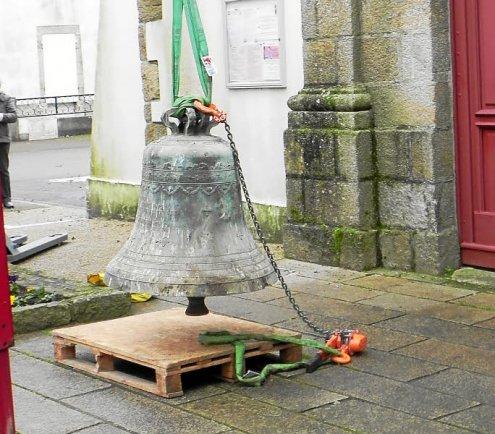 DAMGAN. Les cloches de l'église ont quitté le clocher