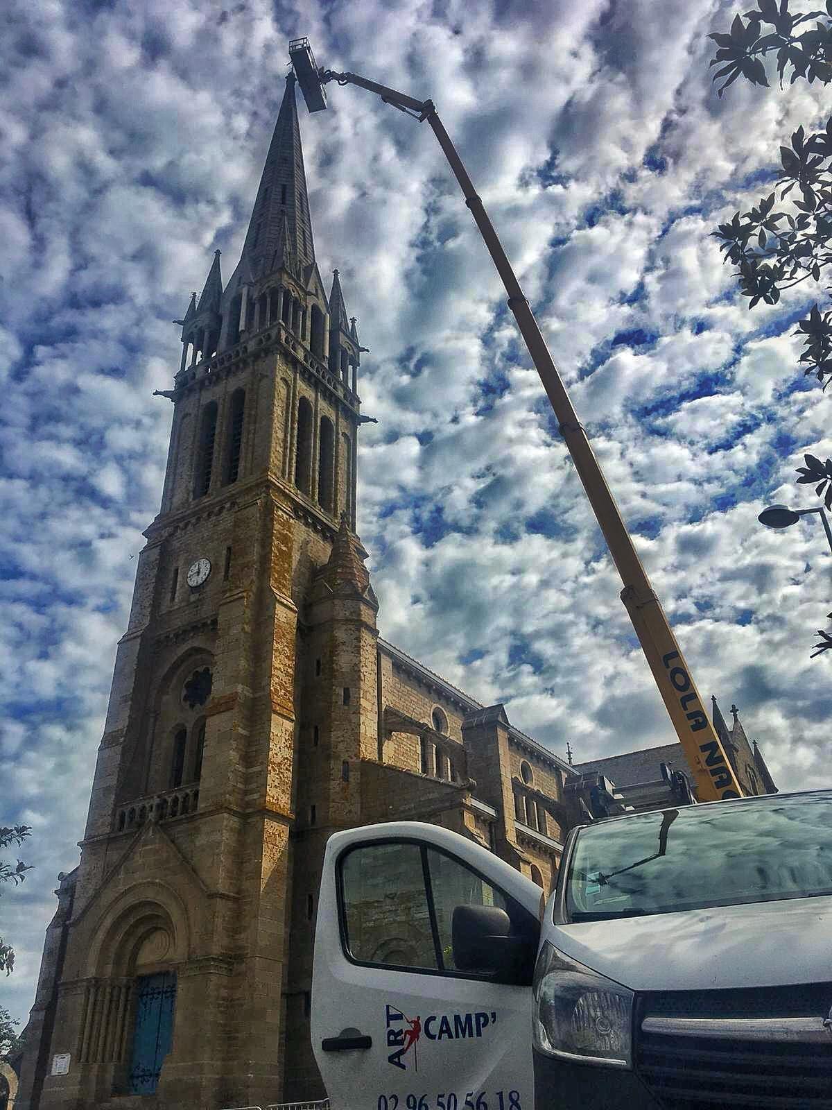 Pléneuf-Val-André. Impressionnante intervention sur le clocher de l'église